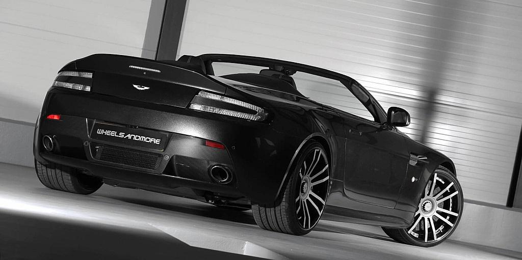 Aston_Martin_Auspuff-1