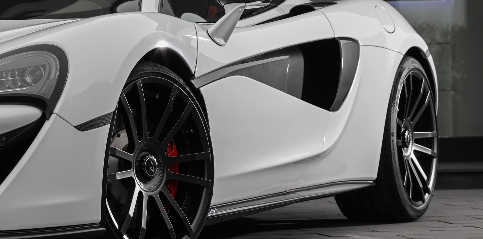 Perfekt passende FIWE Schmiedefelgen mit OEM Nabenkappe für McLaren 570GT