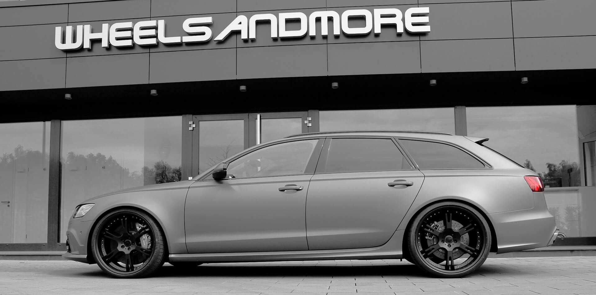Audi RS6 mit handgefertigter Auspuffanlage mit fernbedienbarer Klappensteuerung