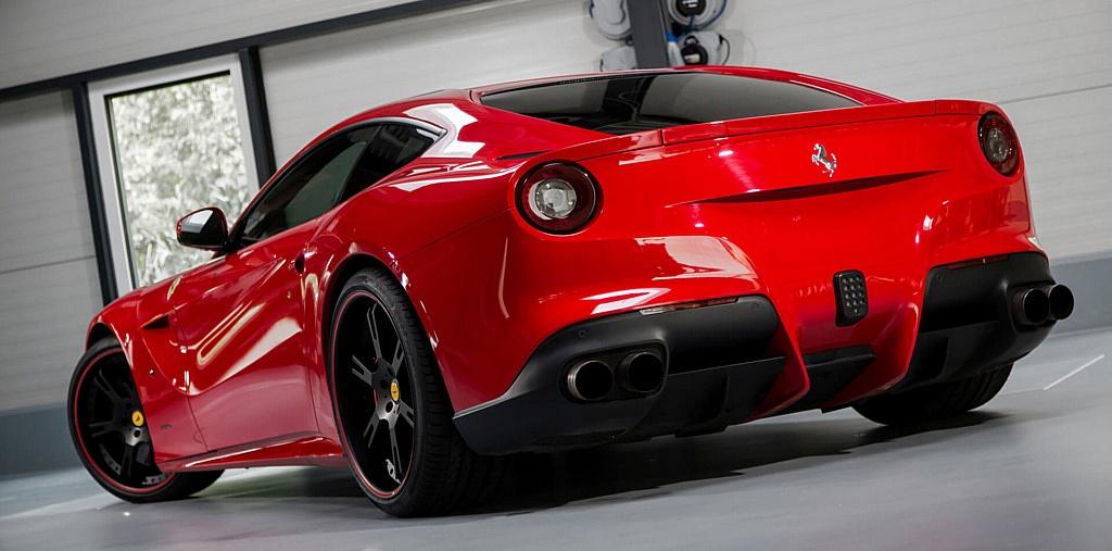 Auspuffanlage_Ferrari_F12