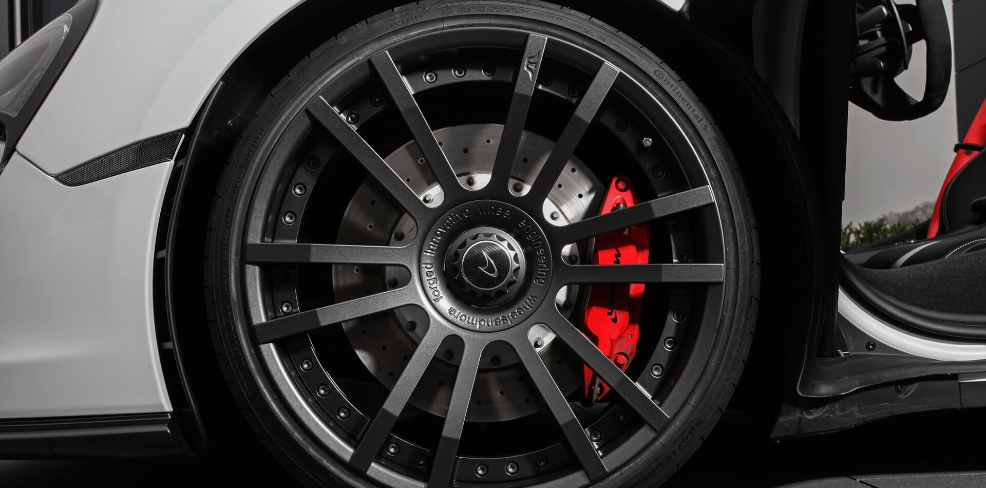 Perfektion im Detail – F.I.W.E. Schmiederad für McLaren in 20 und 21 Zoll