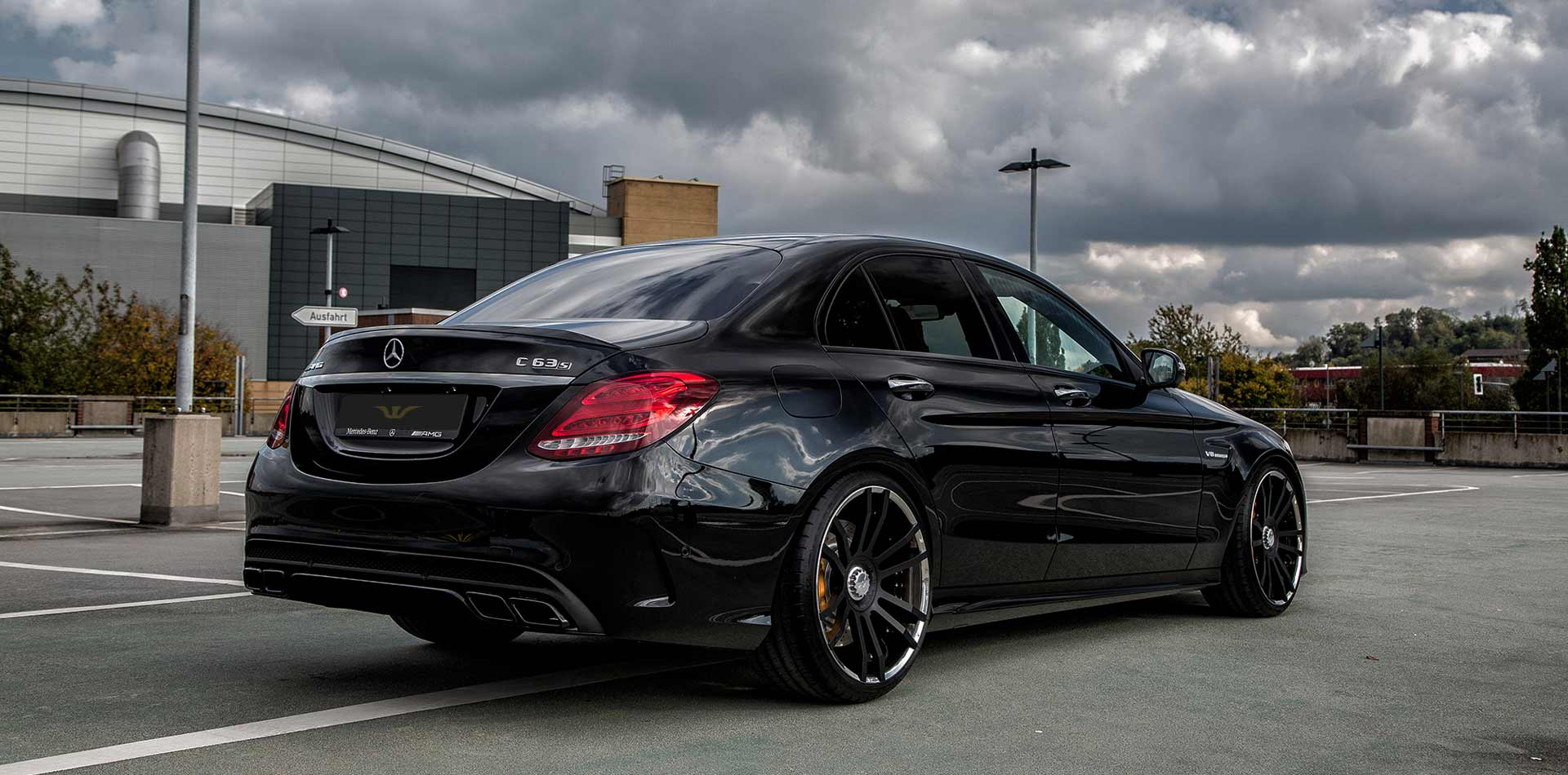mercedes c63 amg felgen tuning auspuffanlagen. Black Bedroom Furniture Sets. Home Design Ideas