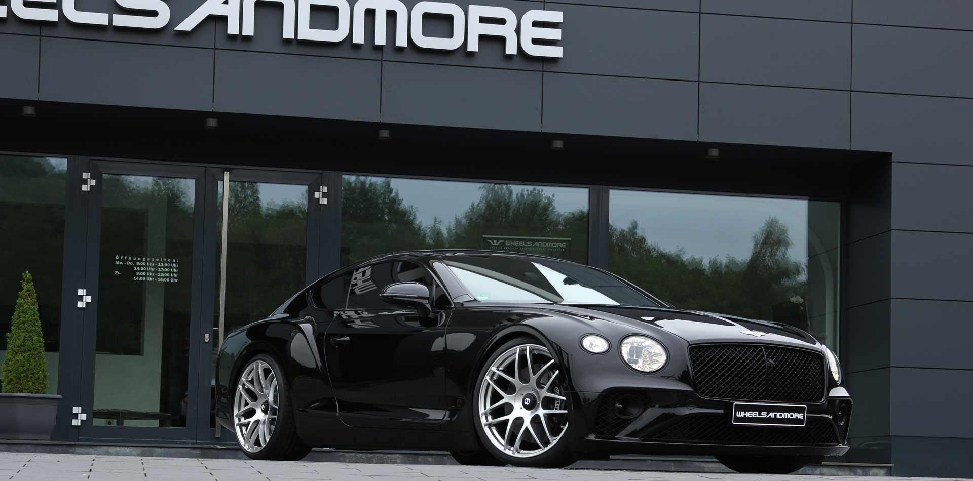 22 zoll felgen in silber an schwarzem Bentley