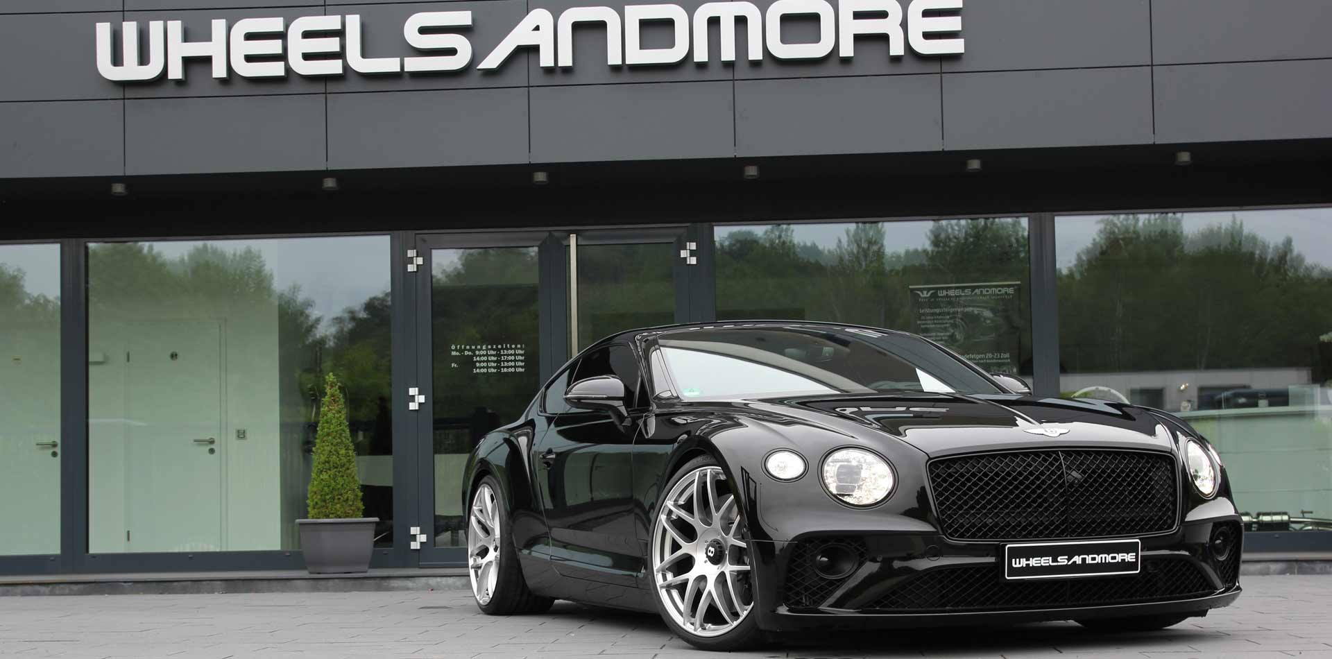 new bentley tunign by wheelsandmore, direkt vor der firmentüre